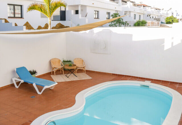 Swimming pool at Arena Blanca accommodation Fuerteventura